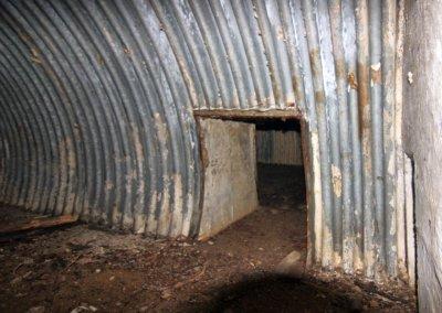Bolejny-atrakcje-mazury-37 - przejscie do 2 komory (magazyn broni, leków, żywności...)